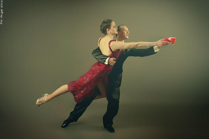 Bailarines: (VENEZUELA) Ana Isabel y Julio - Los Reyes del Compás Ph: Angel Silva Asesora de Imagen: Silvia Toscano Maquillaje y peinado: Nata Barale