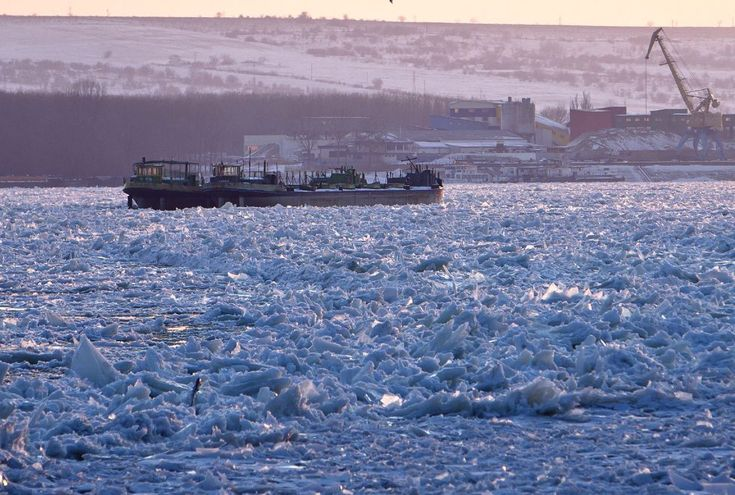 Danubio congelado.....Dunarea inghetata...