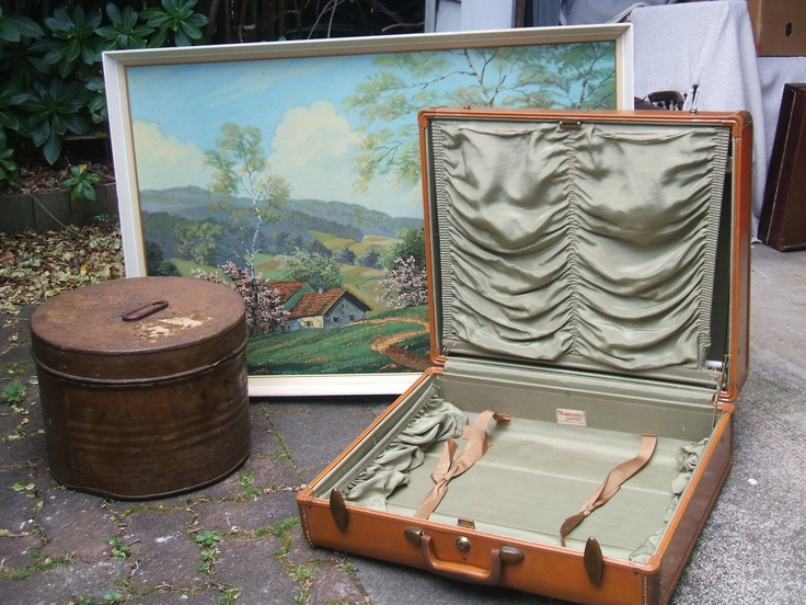 Travellers delight, gorgeous lined suitcase and tin hat box.