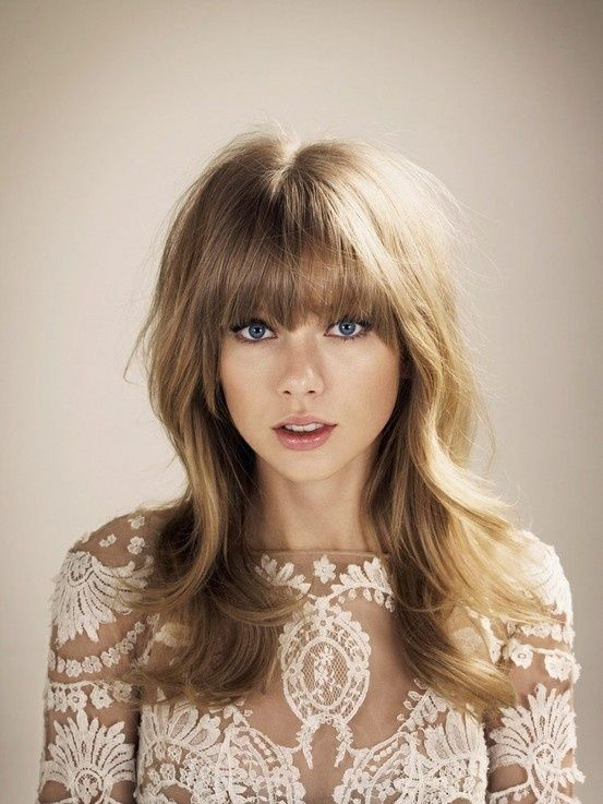 I Love Taylor Swift S Hair Now Once Do Would Like To Try This Style Just Wish Could Pull Of Bangs