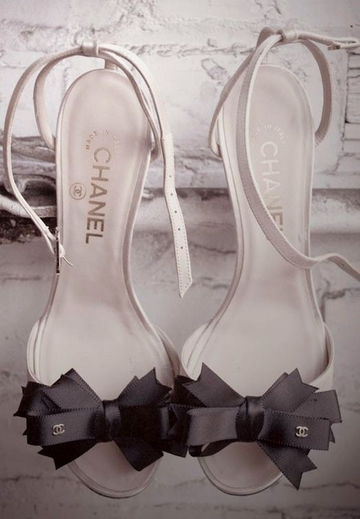 Simple and beautiful Chanel Bow Heels for  ladies.... click on picture to see more fashions
