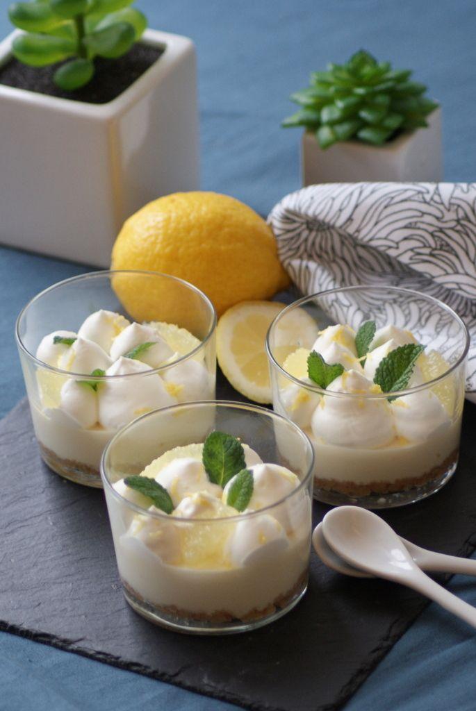 Cheesecakes au Limoncello Coucou les petits choux crémeux! Si vous êtes ici, c'est pour voir de plus près ce que ce nouveau blog va avoir à vous offrir! Je vous promets: - des recettes de la gourmandise-en-veux-tu-en-voilà - des photos qui font baver...