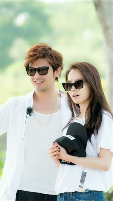 Song Ji Hyo and Chen Bolin filming We Are In Love