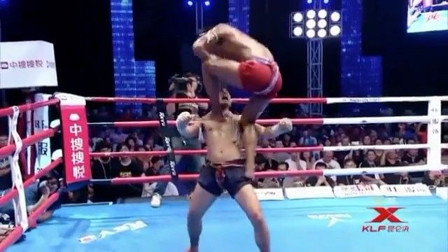 """4,105 Likes, 95 Comments - Boxing MMA McGregor UFC Fight (@boxingband) on Instagram: """"👊 Double tap and follow us 🔥 Buakaw Banchamek 👑 against 3 fighters @FightsBand ◀️ FOLLOW ▶️…"""""""