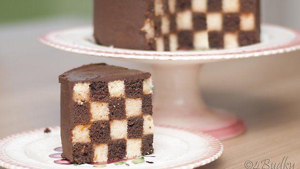 Šachovnicový dort vypadá efektně a přitom je hrozně jednoduchý Foto: