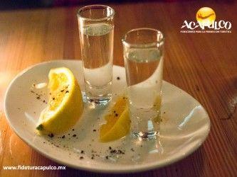 #antrosdemexico Conoce más de mezcales en La Katrina de Acapulco. ANTROS DE MÉXICO. Si te gusta la tradicional bebida mexicana del mezcal, debes visitar la mezcalería La Katrina en Acapulco, ya que cuentan con una gran variedad y la puedes acompañar con diferentes frutas como limón, mandarina o naranja. Para obtener más información, te invitamos a visitar la página oficial de Fidetur Acapulco.