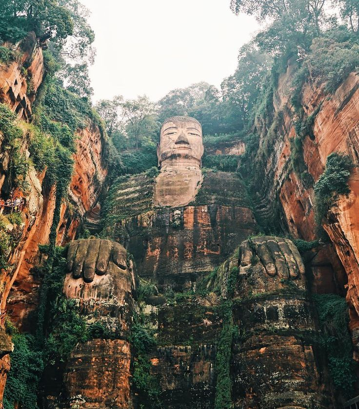 The Leshan Giant Buddha is a 71metre (233ft) tall statue, the biggest Buddha in the world. The construction took 90 years to finish and is located in Leshan, China  (@felecool)