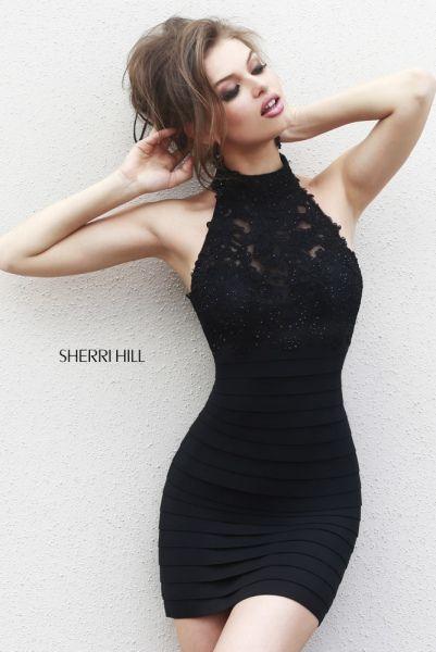 (Foto 21 de 59) Vestido tubular en color negro con escote tipo halter, Galeria de fotos de Sherri Hill fiesta 2015: ¡Vestidos cortos juveniles para lucir piernas!