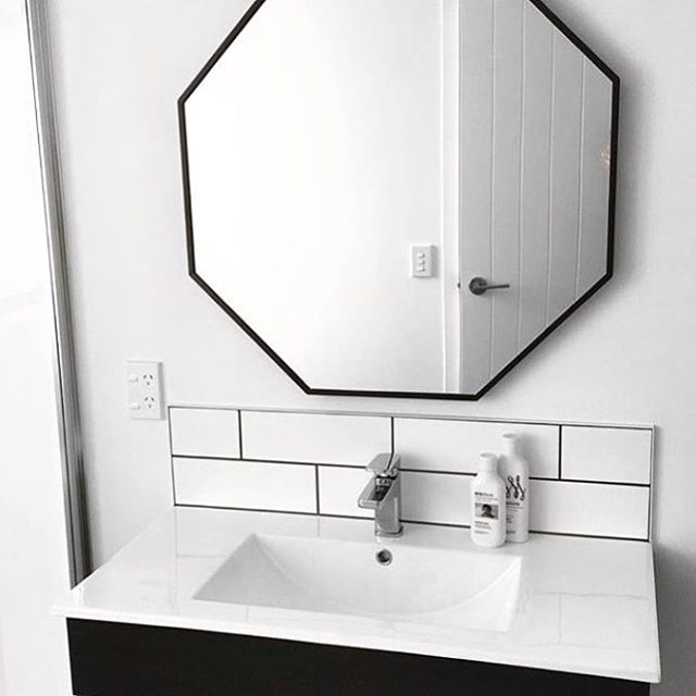 These beaut mirrors have just been restocked! Priced at just $149 they're amazing value for a large mirror! Link in bio ☝🏼📷@currie_house