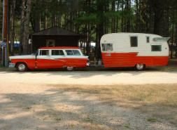 Love this! Vintage camper, vintage car
