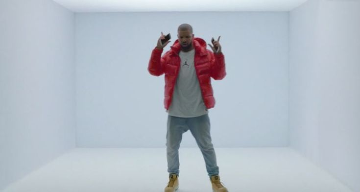 """Drake - 'Hotline Bling' [Video] #HotlineBling- http://getmybuzzup.com/wp-content/uploads/2015/10/Drake-Hotline-Bling-650x347.jpg- http://getmybuzzup.com/drake-hotline-bling-video/- Drake – 'Hotline Bling' ByAmber B Here it is, Drake drops the visual to 'Hotline Bling'. The video is directed by X, Drake's simplistic """"Hotline Bling"""" video can be seen below, courtesy of Apple Music.               Follow me:Getmybuzzup on Tw.."""