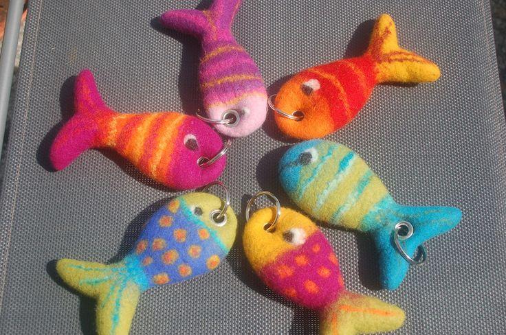 Filzfisch als Taschen- Schlüsselanhänger von Filz & Co auf DaWanda.com