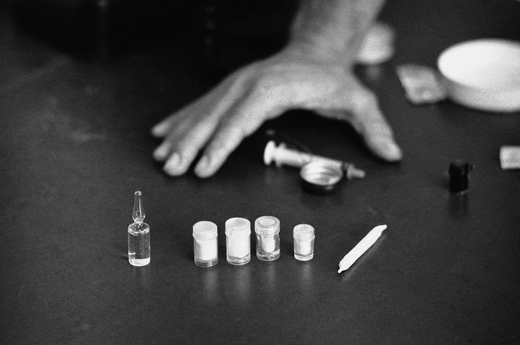What Heroin Addiction Tells Us About Changing Habits. Sure, you resolve to exercise more, but somehow it never happens. It could be that your environment is sabotaging you, psychologists say. A famous study about heroin and the Vietnam War explains how.