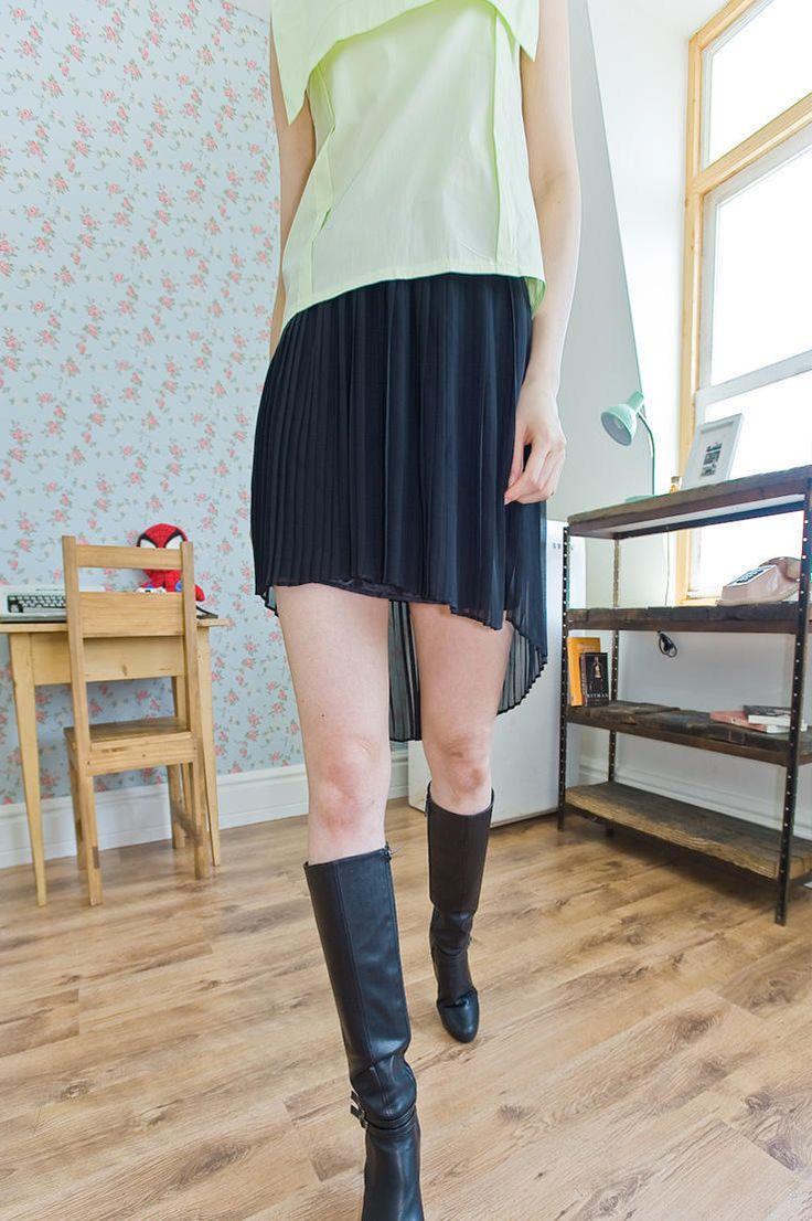 pleated unbalance mini skirt from Kakuu Basic. Saved to Kakuu Basic Skirts. Shop more products from Kakuu Basic on Wanelo.
