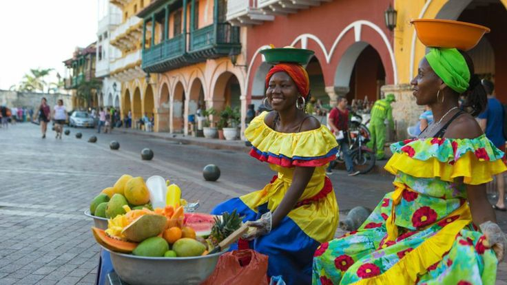 From Old City strolls and sunset views to fried street snacks and late-night dancing, spend a weekend in this Caribbean city.