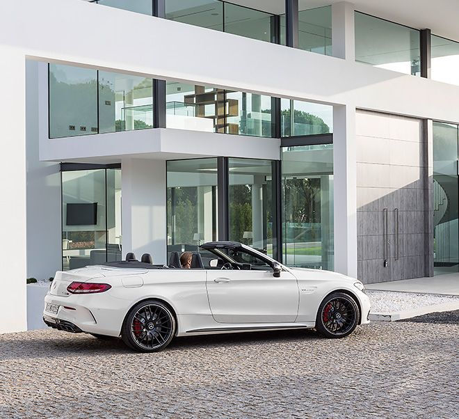 Side view of the new Mercedes-AMG C 63 Cabriolet.