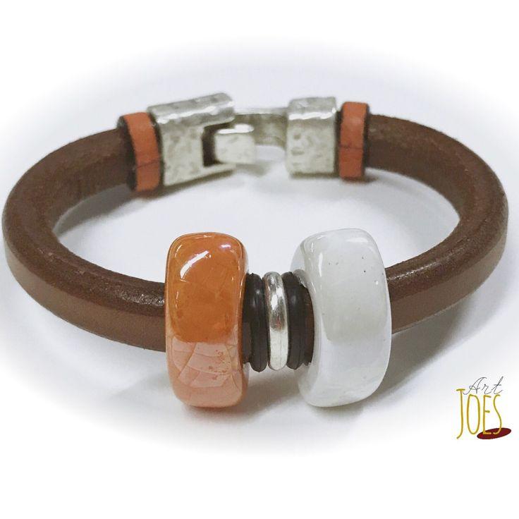 Pulsera de cuero regaliz y ceramica