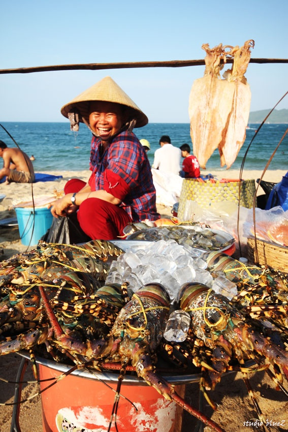 """The seller on the beach""   Nha Trang/ Vietnam"