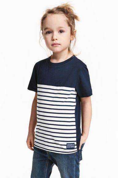 T-shirt z nadrukiem - Ciemnoniebieski/Białe paski - Dziecko | H&M PL 1