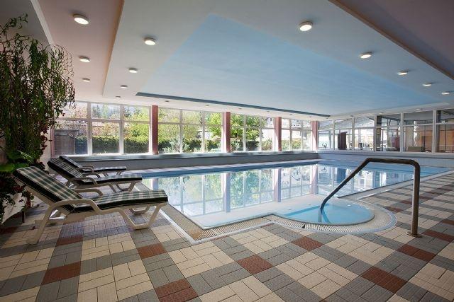 17 migliori idee su sala da pranzo a buffet su pinterest - Hotel dobbiaco con piscina ...