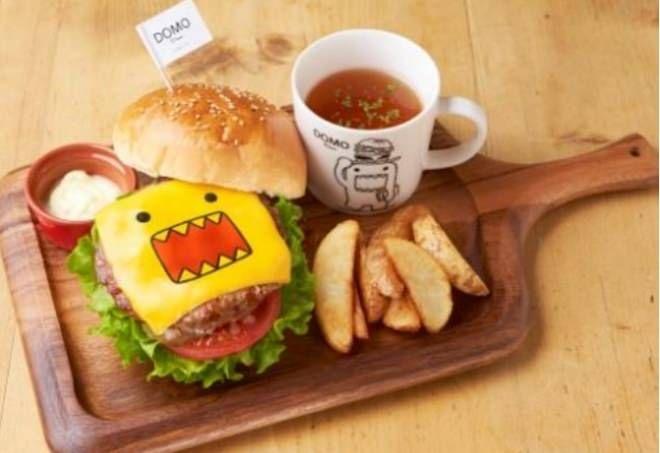 「どーもくん」初のコラボカフェ!「DOMO Diner(どーもダイナー)」横浜に