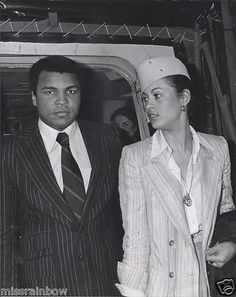 1979 Original VINTAGE Boxing Photo MUHAMMAD ALI & Wife VERONICA Rome Italy