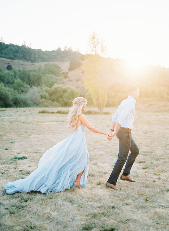 Get ready to swoon! Today's romantic hillside anniversary photos send chills all over every time we look at them! Photographer, Katlyn Marie captured this pair in the perfect light of sunset outside San Francisco.