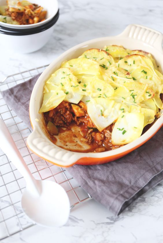 Aardappel-ovenschotel met witte bonen en gehakt