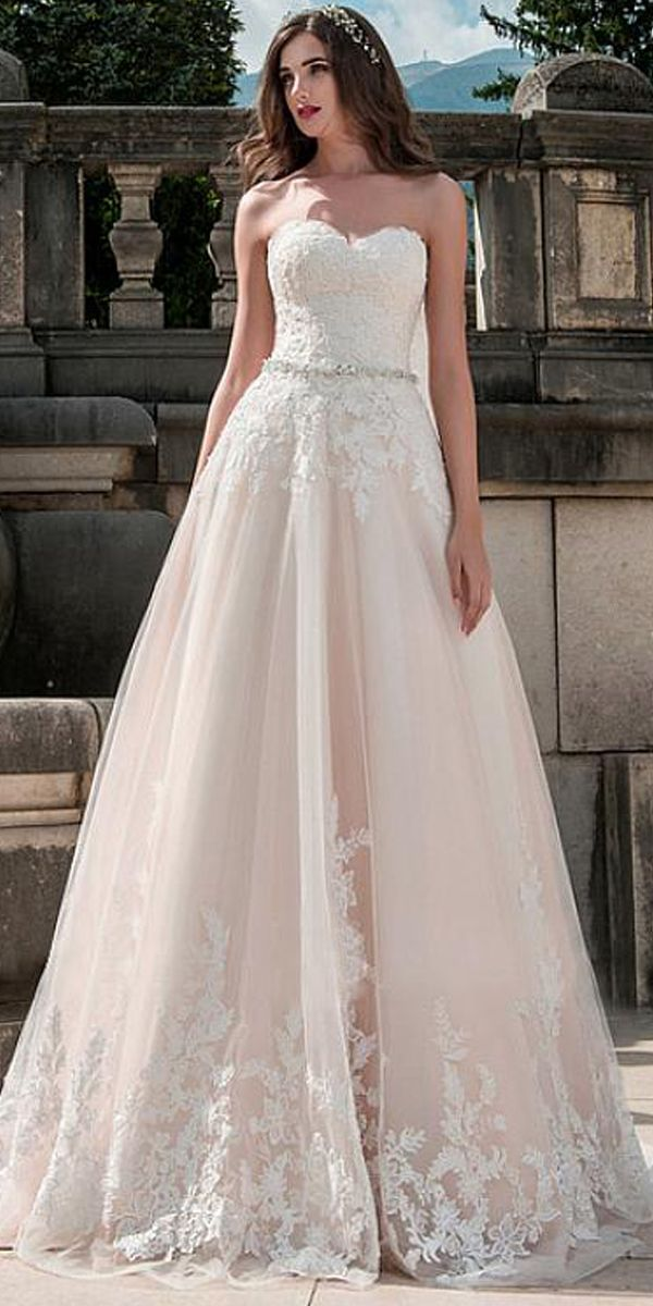 Sweetheart Neckline A-Line Wedding Dress