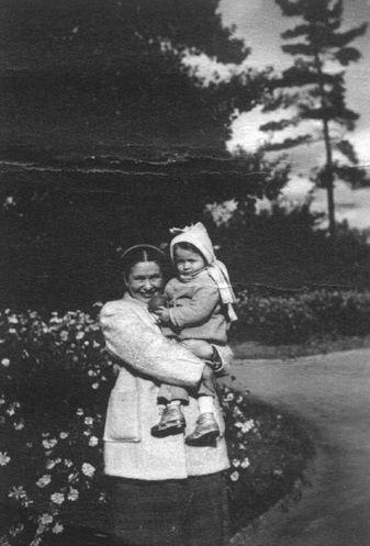 Irena Sendler with her daughter, Janka