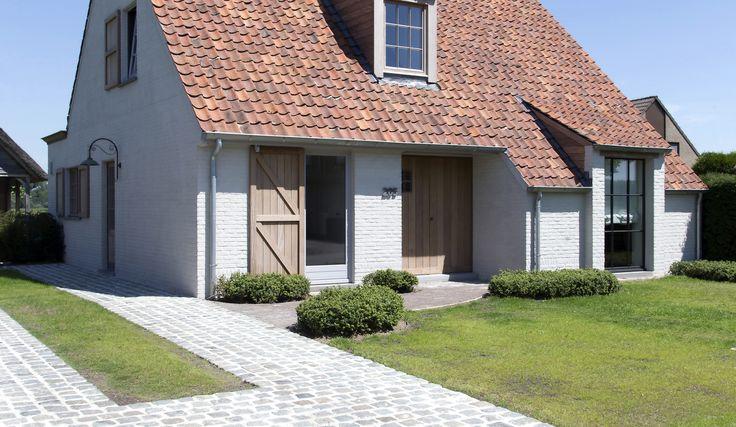 25 beste idee n over witte huizen op pinterest witte interieurs lichte kamers en lichte eetzalen - Moderne kleur huis ...