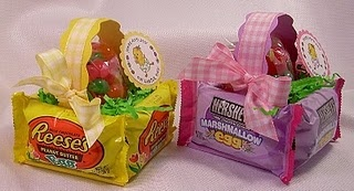 Edible easter baskets, mini version much better than the stacks of peeps making a monster basket