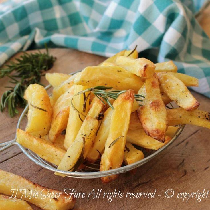 Ricetta patate al forno croccanti fuori e morbide dentro.Vi svelo due piccoli segreti per ottenere delle patate al forno dorate,gustose, perfettamente cotte