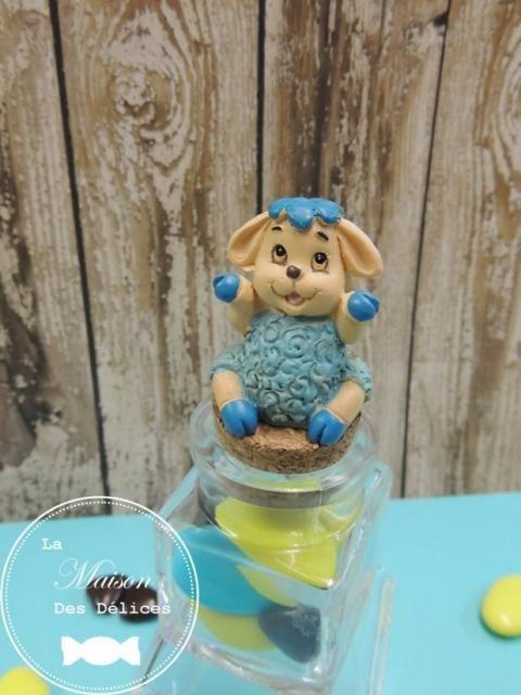Sujet bapt me repr sentant un sympathique mouton bleu for Decoration en bleu turquoise