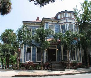 Savannah Apartment Rental Picture