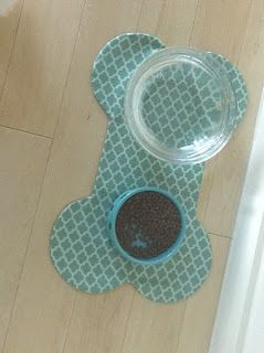 DIY doggie   place mat I am going to try a fish shape for the mother in laws cat! He gets food everywhere!