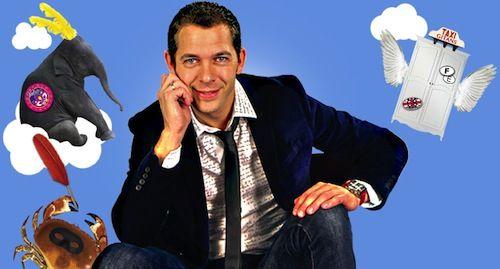 Depuis la sortie de son «extraordinaire voyage du fakir qui était resté coincé dans une armoire IKEA» en 2013, Romain Puertolas ( prononcer : à «Rome un poux erre tôt las») connaît un succès mondial. Lauréat du prix Jules Vernes, son roman est...