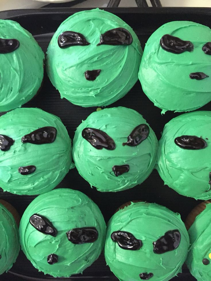 Alien cupcakes made by my daughter because she is an XFiles fanatic
