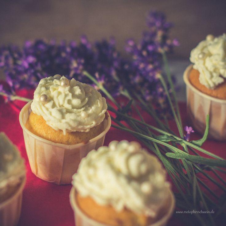 Zitronencreme-Cupcakes mit leckerem Lavendel-Aroma ;)