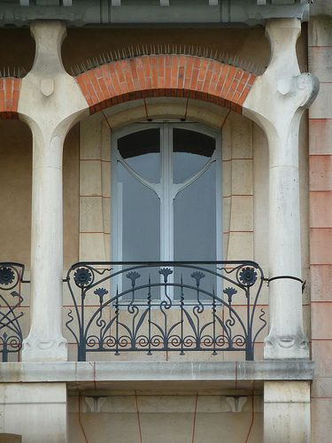 Balcony Pillar Design: 1000+ Images About Wrought Iron Balcony On Pinterest