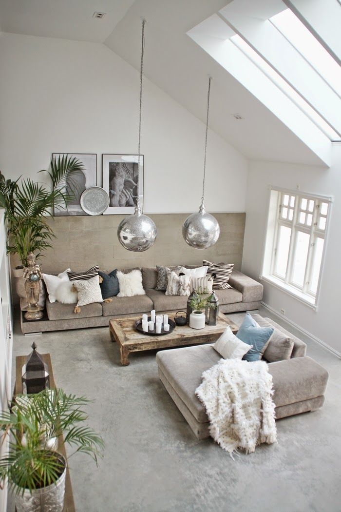 Love his! Rustic yet glamorous.. Perfect combo.