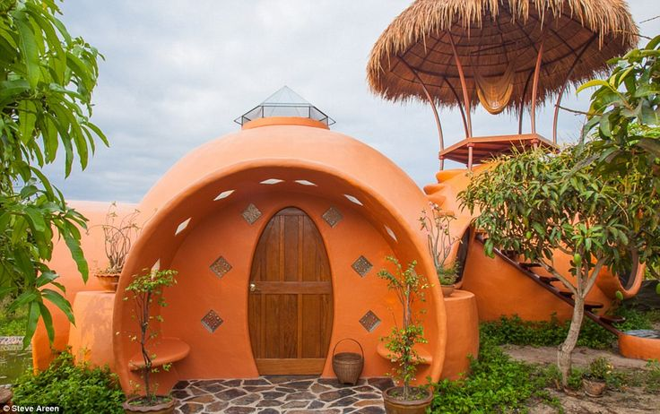 Man Builds His Dream Mini-Home In Only Six Weeks For $9,000