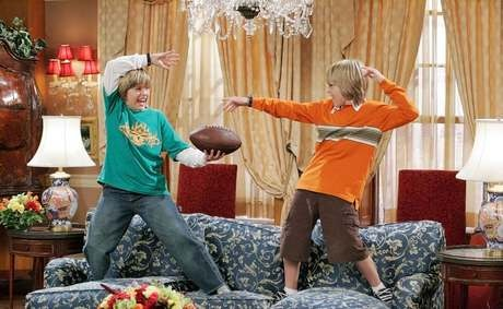 the sweet like of zack and cody NOT the sweet life on deck..miss. this.