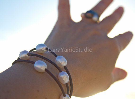 Pearl leather bracelet - pearl leather - pearl leather jewelry - leather pearl - leather pearl bracelet - multi strand bracelet - seaside