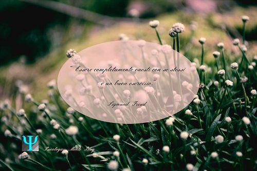 """""""Essere completamente onesti con se stessi è un buon esercizio."""" Sigmund Freud #citazione #quote #Psicologia, #Freud #onestà #esercizio #fiori #verde #rosa #natura #SigmundFreud #PsicologicaBlog"""