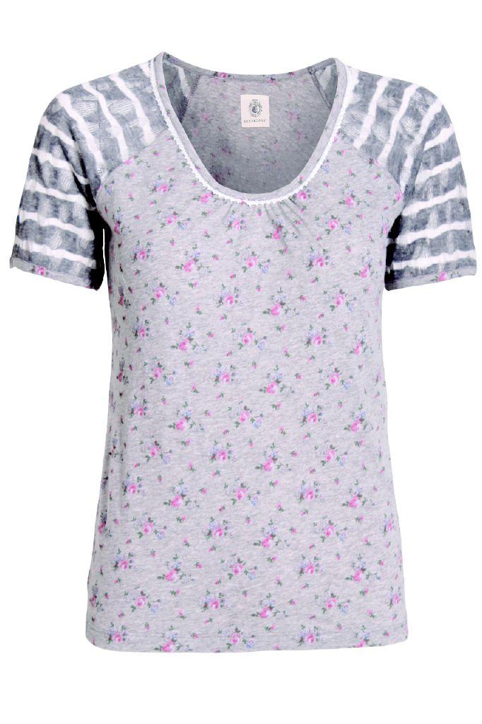 Grå t-shirts med rosa blomster.