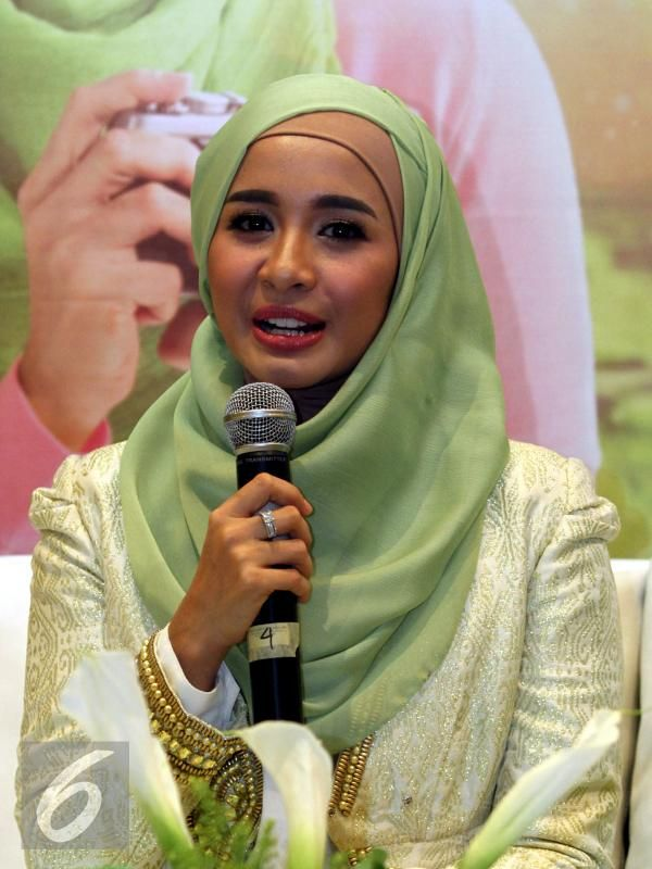 Laudya Chintya Bella is an Indonesian pop singer, actress, and soap opera star of Sundanese descent.