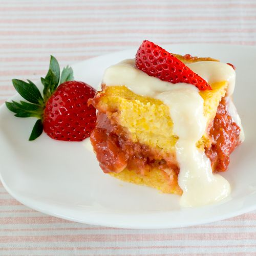 Healthified strawberry corn bread, great breakfast for satisfying my morning sweet tooth.   A 3-oz square has 148 calories and packs over 21% of your day's vitamin C, 18% manganese and 15% zinc.