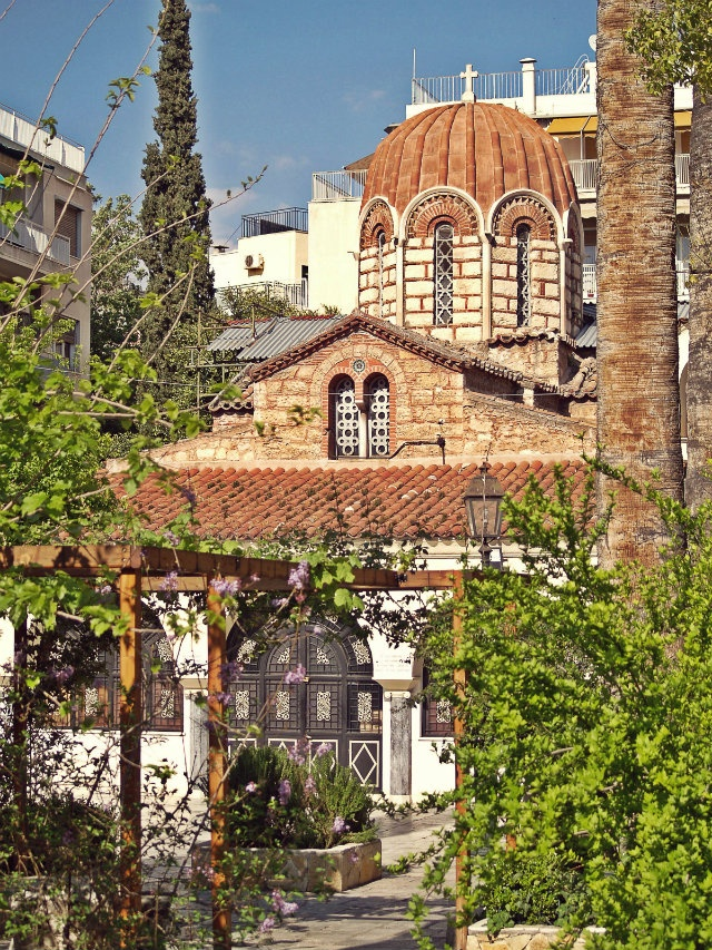 The beautiful Agia Ekaterini Church of the 11th century. (Walking Athens, Route 05 - Lower Plaka)