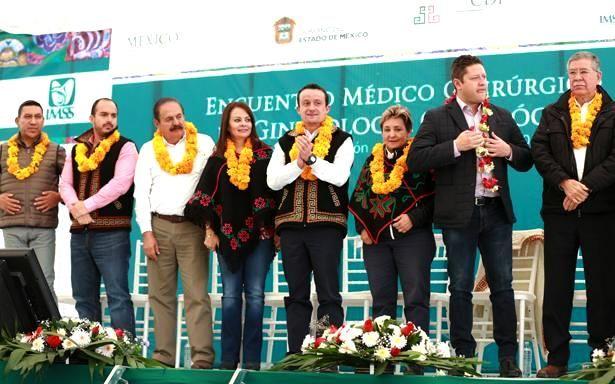 Se operan de cáncer cérvico uterino a 66 mujeres Mazahuas en Encuentro Médico Quirúrgico número 61 de Ginecología Oncológica del IMSS - http://plenilunia.com/novedades-medicas/se-operan-de-cancer-cervico-uterino-a-66-mujeres-mazahuas-en-encuentro-medico-quirurgico-numero-61-de-ginecologia-oncologica-del-imss/43173/